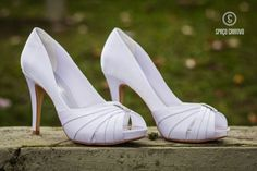 UAU! Qual o seu estilo? O pessoal da @spacocriativo tem um moooonte de modelos pra você ver amar e orçar. Eu achei esse INCRÍVEL! . Veja mais no insta   @spacocriativo . Contato:  whatsApp (48) 99627-3744  site: http://ift.tt/2oiLXa1 . Eles entregam em todo Brasil! . #sapatodenoiva #sapatosdefesta #sapatoslindos #sapatosonline #sapatosporencomenda #sou noiva #voucasar #weddingshoes #instashoes #spacocriativosapatos #spacocriativo #ceubspacocriativo