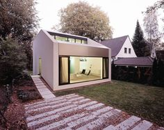 LA'KET Architekten - Duve house, Hamburg-Volksdorf 2011. Photos © Ralf Buscher. [[MORE]]