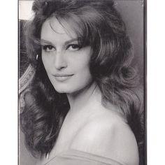 Dalida 1981 la famille de franz geil pinterest - Diva 1981 torrent ...