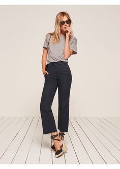 Wear to Work Outfit Ideas. Womens Casual Office Fashion ideas and dresses. Womens Work Clothes Trending in 34 Outfit ideas. Business Casual Outfits, Professional Outfits, Business Attire, Stylish Outfits, Summer Professional, Business Fashion, Work Fashion, Fashion Outfits, Dark Edgy Fashion