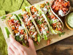 Würzige Fisch Tacos mit Tomaten-Salsa und Avocadocreme