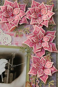 Paper Poinsettias really cool