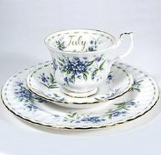 Royal Albert China Series - Flower of the Month Series 1970 Forget Me Not