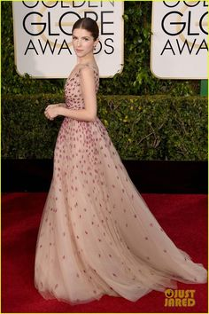 anna kendrick 2015 golden globes 03 Monique Lhuilliergown,Brian Atwoodheels andFred Leightonjewels. #brianatwoodheelsdresses