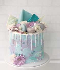 20 Fabulous Drip Cakes Inspiration - Find Your Cake Inspiration Birthday Drip Cake, 14th Birthday Cakes, Candy Birthday Cakes, Elegant Birthday Cakes, Beautiful Birthday Cakes, Birthday Cakes For Women, Birthday Cake Girls, Birthday Cake Designs, 16th Birthday Cake For Girls