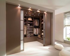 Apósito Aménagement: optimizer son rangement, Dressing en U, c'est ça qu'il me faut! Walk In Closet Design, Bedroom Closet Design, Closet Designs, Minimalist Bedroom, Minimalist Home, Bedroom Modern, Dressing Room Design, Dressing Rooms, Armoire Dressing