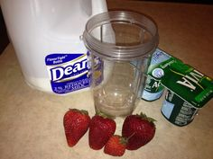 Mommy Makes it Better: Strawberry Yogurt Smoothie