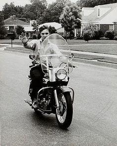 Elvis Presley – The Man And His Love Of Motorcycles | www.IHeartElvis.net …