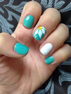 Feature-Daisy | Awesome Spring Nails Design for Short Nails | Easy Summer Nail Art Ideas