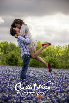 Texas Bluebonnet Photography cute couple pose .  https://www.facebook.com/lapraimphotography