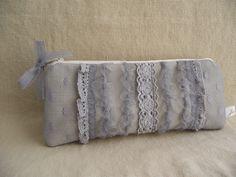 Grey lace beauty case