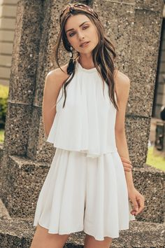 ENTERIZO Short Outfits, Cute Outfits, Outfit Elegantes, Jumper, Prom Dresses, Boho, Decorative Pillows, Kiss, How To Wear