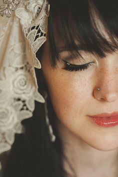 unique bridal make up on a stunning bride | Bridal Musings