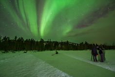 Where to See the Northern Lights in Canada - Hike Bike Travel Northern Lights Canada, See The Northern Lights, Canada Travel, Canada Trip, Cut Photo, Staying Up Late, Toronto, Photo Mats, To Go