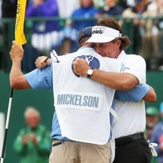 Bones and lefty have mutually decided to part ways. Arguably the most iconic player caddy duo. Comment your thoughts below.  #pgatour #news #golf #breakup #lefty #caddy
