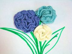Create a rose applique with our free crochet pattern.