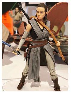 Jedi Training Rey Action Figure (The Last Jedi)