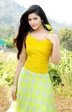 Pori moni still movie Beautiful Girl Indian, Beautiful Girl Image, Most Beautiful Indian Actress, Beautiful Saree, Beauty Full Girl, Beauty Women, Pori Moni, Bollywood, Stylish Girl Pic