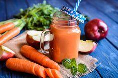 Suco para fortalecer o sistema imunológico Ingredientes: 1 cenoura descascada 1 maçã com casca 1/4 colher de sopa de cúrcuma em pó 1 colher de chá de mel 2 colheres de sopa de limão espremido 1 lâmina de gengibre de mais ou menos 5 cm Bata tudo em um mixer ou liquidificador e beba na […]
