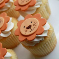 Smiling Lion Cupcakes