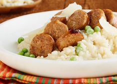 Risotto aux saucisses italiennes et aux pois verts - Find all the #recipeinspiration you need from Johnsonville Canada http://www.johnsonville.ca/fr/recipes/italian-sausage-green-pea-risotto.html