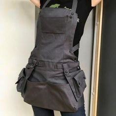 Sage Green Canvas Bionic Apron with Cargo Pockets Woman Work image 1 Black Apron, Work Aprons, Grooming Salon, Apron Pockets, Apron Designs, Apron Dress, Look Fashion, Work Wear, Sewing Projects