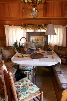 Vintage Campers 92365 Vintage camper interior ~ so cute! This looks just like the set up for our camper. I love the fishing fabric on the cushions, but all that other crap would make it IMPOSSIBLE to move! Some good ideas though. Decor, Interior, Vintage Camper Interior, Rv Decor, House On Wheels, Camper Decor, Vintage
