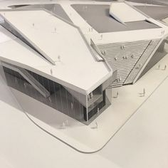 @next_top_architects Master of Architecture thesis reviews - Joseph Baisch, student  @thenewschool  Thesis faculty Astrid Lipka, Paul Goldberger, Peter Wheelwright, Yolande Daniels #nextarch via @parsonsscearch