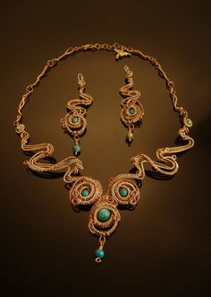 Woven wire and chrysacolla organic design by DahyiitihiArts