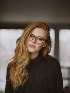 Blonde Hair, Blue Eyes And Glasses: Character Inspiration New Glasses, Girls With Glasses, Stylish Glasses For Women, Womens Glasses, Pretty People, Beautiful People, Beautiful Women, Red Hair, Blonde Hair