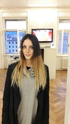 Iniziamo il nostro weekend con una Botta di colore! #goranviler #goranvilerhairspa #hairspa #summertouch #hairdressing #trieste #dottoressa #oribe — with Lola Chersi.