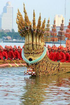 Royal Barge Procession Bangkok , Thailand: http://www.southeastasia-images.com/Galleries/Royal-Barge-Procession-2012/26755982_RCw3vx?k=D84pDGp&lb=1&s=A