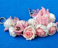Delicate voorjaar armband met polymeer klei bloemen.  Masterclass met stap voor stap foto's