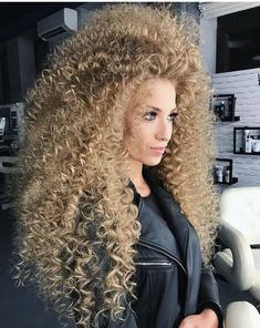 Blonde Curly Hair, Curly Perm, Kinky Hair, Shaved Hair Cuts, Afro, Crimped Hair, Big Curls, Extreme Hair, Permed Hairstyles
