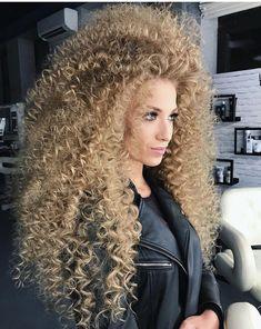 Curly Perm, Blonde Curly Hair, Kinky Hair, Shaved Hair Cuts, Afro, Long Hair Models, Crimped Hair, Extreme Hair, Hair Brained