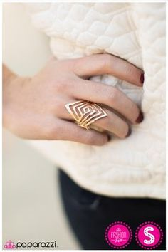 I would like this better on the forefinger...Lost In the Maze - Gold