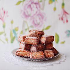 Mantecados de Vino (dulces españoles!) by Chaulafanita [www.juliadavilalampe.com], via Flickr
