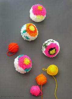 Como hacer pompones de varios colores