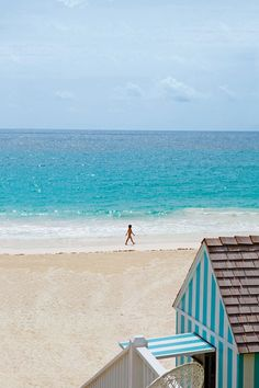View of the beach at The Dunmore, Harbour Island, Caribbean. Photo by: Aldo Rossi