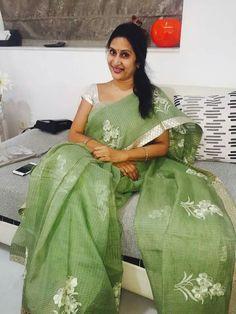Discover thousands of images about Real Hot Aunty Madhuri Atluri Cotton Saree Designs, Silk Saree Blouse Designs, Blouse Patterns, Simple Sarees, Trendy Sarees, Stylish Sarees, Cutwork Saree, Organza Saree, Saree Floral