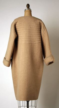 Geoffrey Beene (American, Haynesville, Louisiana 1927–2004 New York) Date: spring/summer 1982. Beene was one of New York's most famous fashion designers, recognized for his artistic and technical skills and for creating simple, comfortable and dressy women's wear.