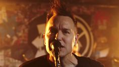 Bored To Death - blink-182 [OFFICIAL VIDEO]