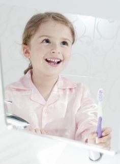 La salud de los dientes de los niños debe cuidarse desde el momento del nacimiento.