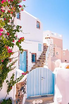Greece Vacation, Greece Travel, Travel Europe, Places In Europe, Places To Visit, Beautiful Places To Travel, Romantic Travel, Travel Aesthetic, Aesthetic Food