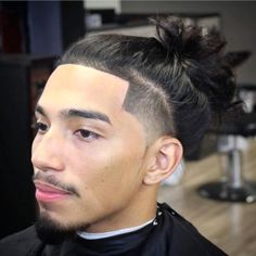 Mohawk Haircuts with Hair Shaved On the Sides for Men In 2020 75 Best Shaved Side Hairstyles Man Bun Haircut, Man Bun Hairstyles, Shaved Side Hairstyles, Cute Girls Hairstyles, Fade Haircut, Braided Hairstyles, Blowout Haircut, Ponytail Haircut, Hairstyle Ideas