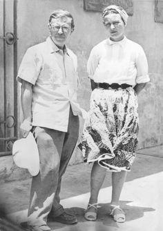 Simone de Beauvoir and Jean-Paul Sartre. Dakar, Senegal. April 1950. Photo: DPA.