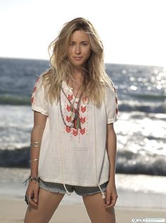 Gillian Zinser love her boho surfer look