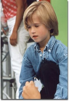 Check out production photos, hot pictures, movie images of Haley Joel Osment and more from Rotten Tomatoes' celebrity gallery! Child Actors, Young Actors, Haley Joel Osment, Walker Texas Rangers, Dallas Tv Show, Macaulay Culkin, Hollywood Couples, Blonde Boys, Celebrity Gallery