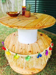 Surprise Hawaiian Birthday Party set up ideas