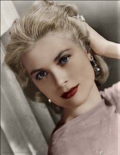 Colorized Black and White Grace Kelly Colorized Beautiful Celebrities, Beautiful Actresses, Most Beautiful Women, Beautiful People, Grace Kelly Style, Princess Grace Kelly, Vintage Glamour, Vintage Beauty, Classic Hollywood